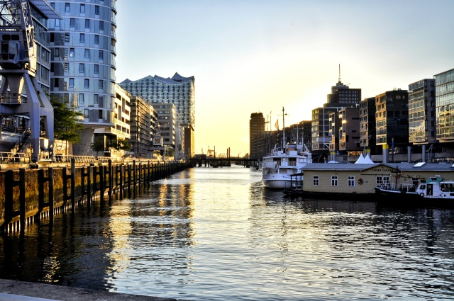 Hamburg x Canon